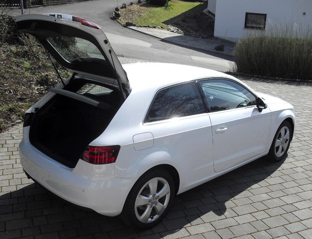 Audi A3: Ins Gepäckabteil passen 365 bis 1100 Liter hinein.