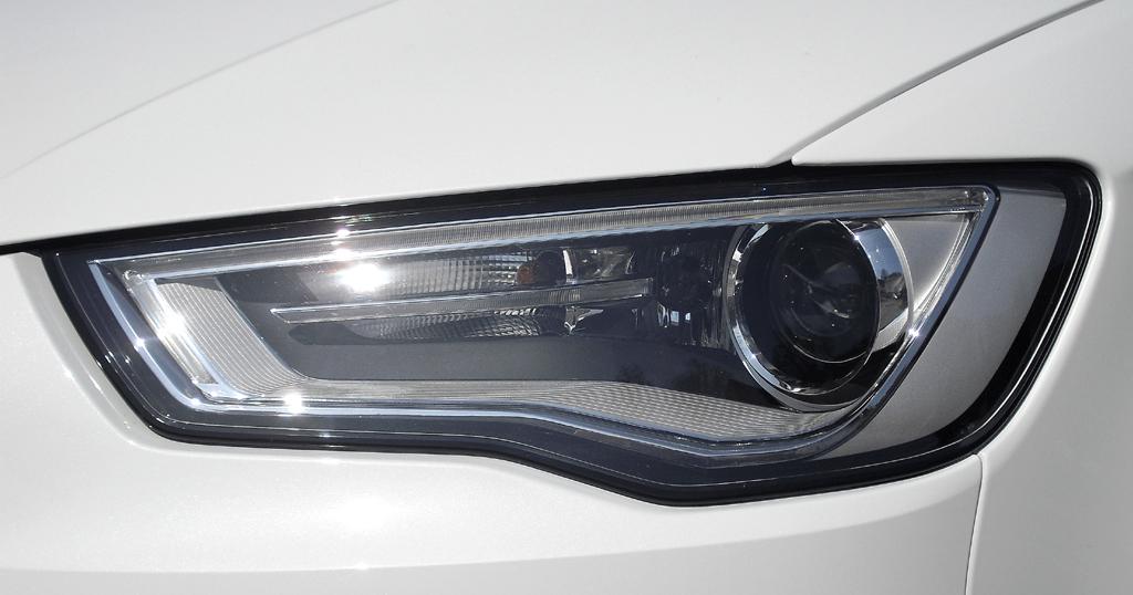 Audi A3: Moderne Leuchteinheit vorn.