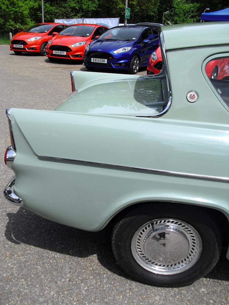 Aufregender als die Motoren ist sicherlich die Karosserie des Ford Anglia.