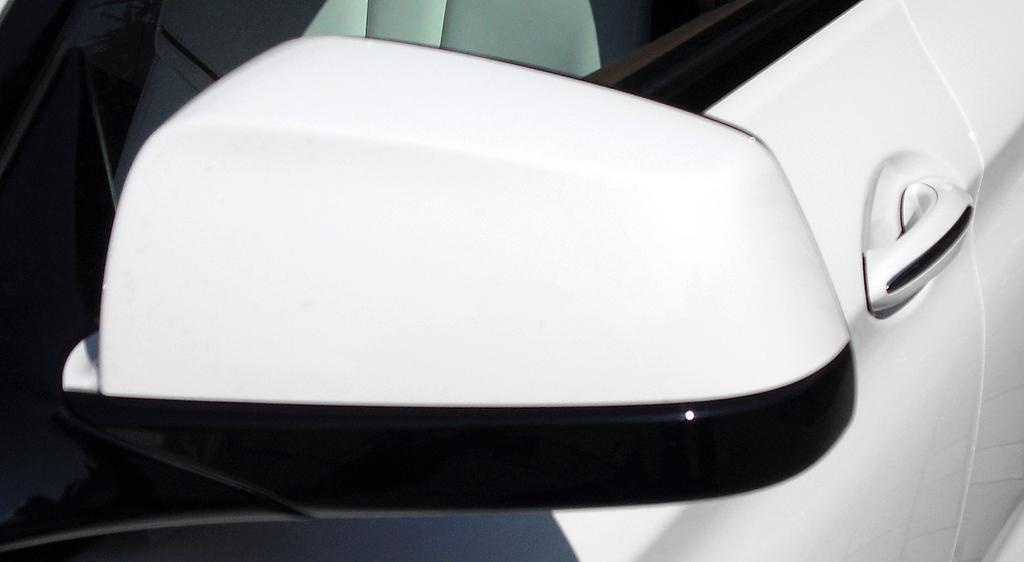 BMW 6er Gran Coupé: Blick auf den Außenspiegel.