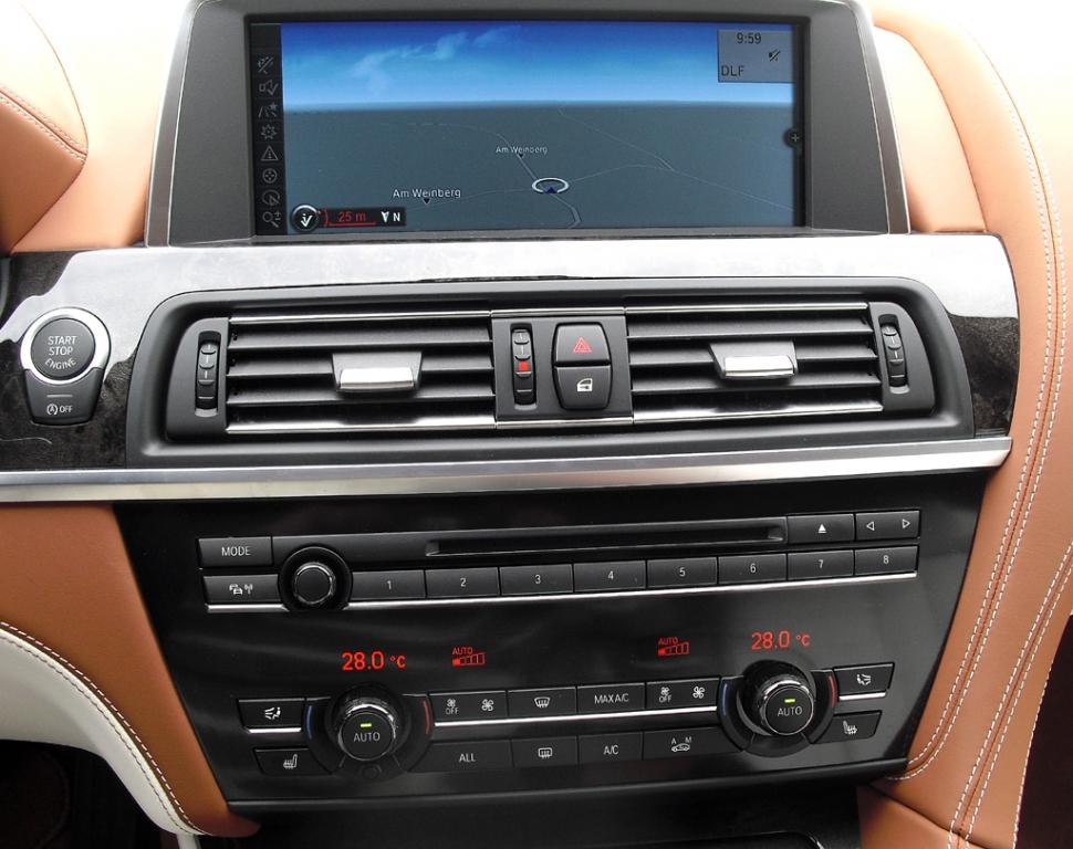 BMW 6er Gran Coupé: Blick auf den mittleren Armaturenträger.