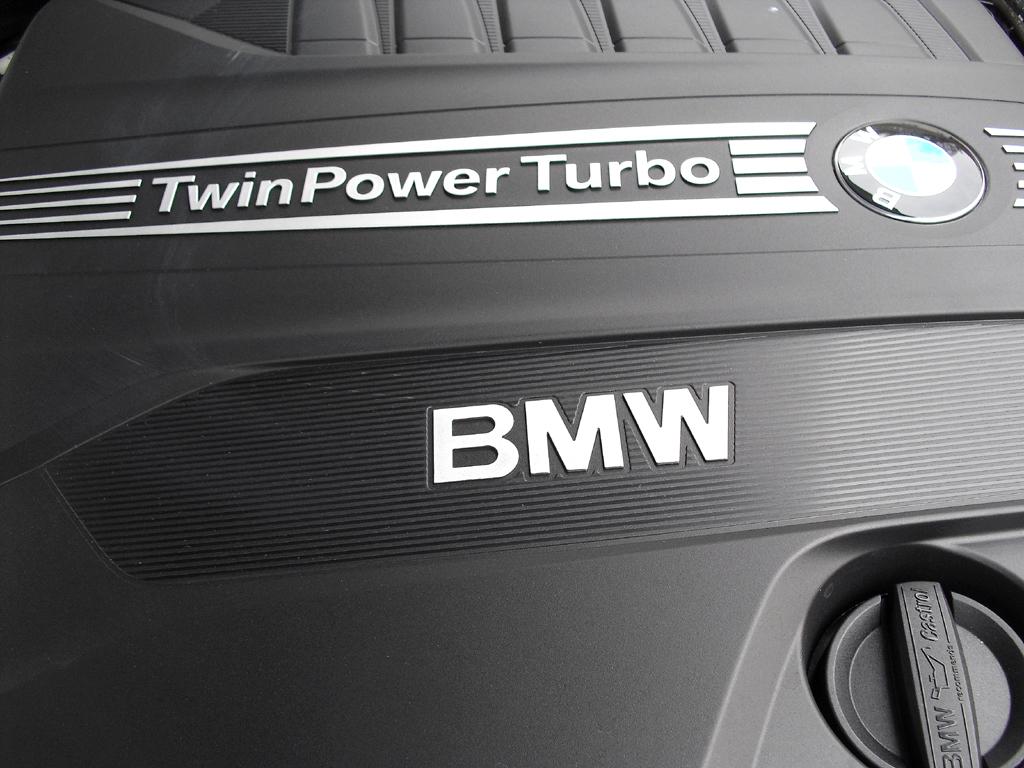 BMW 6er Gran Coupé: Blick unter die Haube auf den 3,0-Liter-Sechszylinder.