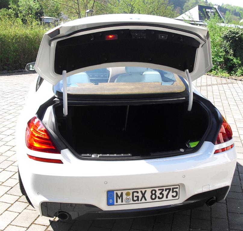BMW 6er Gran Coupé: Ins Stauabteil passen noch 460 bis 1265 Liter Gepäck hinein.