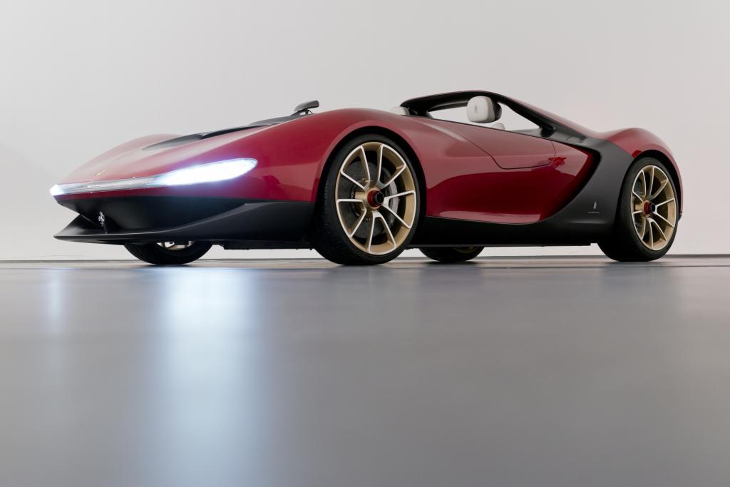 Benannt nach dem  verstorbenen Firmenchef basiert der offene Zweisitzer auf dem Ferrari 458 Spider