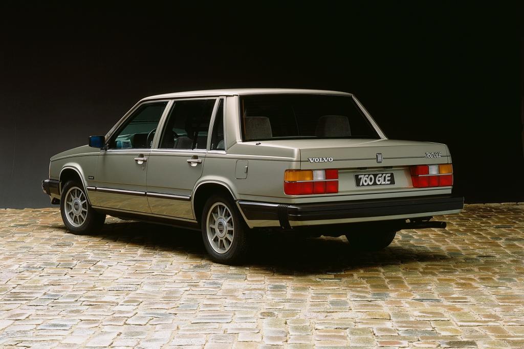 Bereits direkt nach dem Einstieg merkt man, dass Volvo schon vor 25 Jahren Wert auf Sicherheit gelegt hat