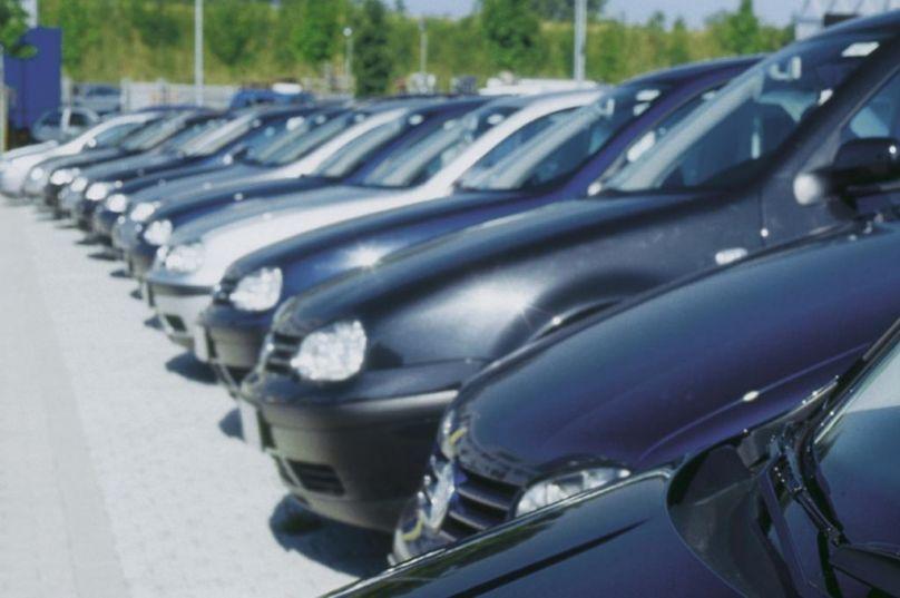 Check Autokauf: Wie viel wird ausgegeben, was wird gekauft