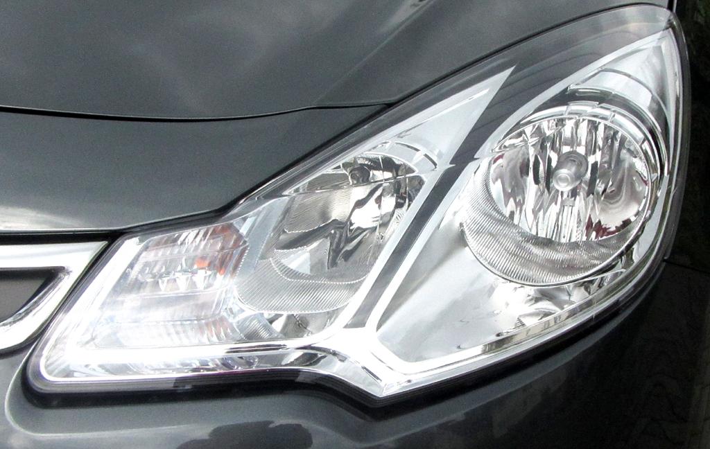 Citroën C3: Moderne Halogen-Leuchteinheit vorn.