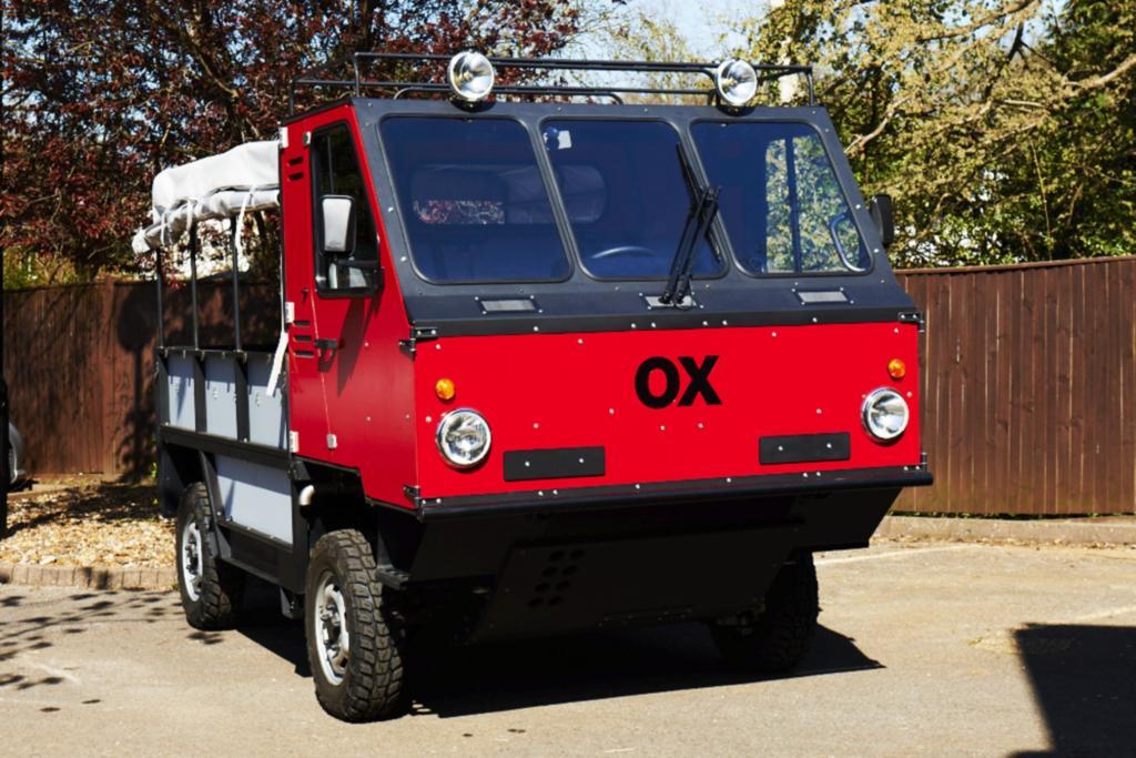 Der Ox bietet 13 Passagieren Platz, kostet aber nur so viel wie ein Kleinwagen