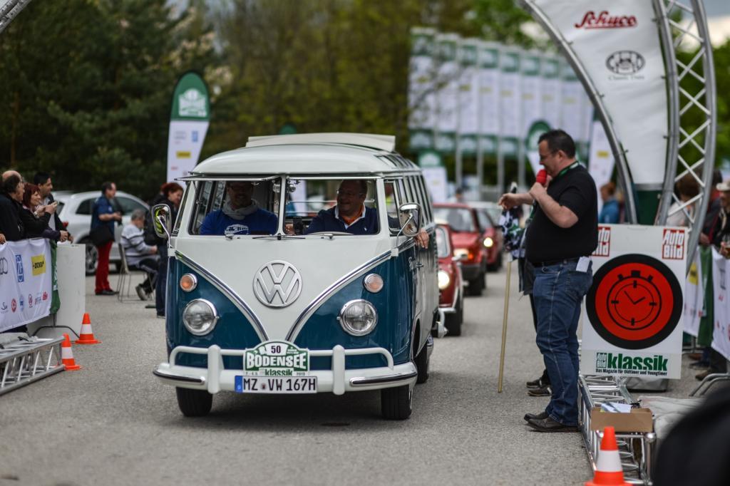Der VW Bulli fährt überall Sympathiepunkte ein