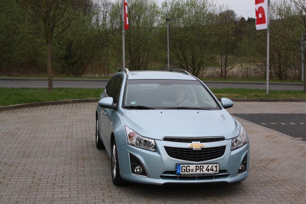 Der kompakte Kombi basiert auf dem Opel Astra