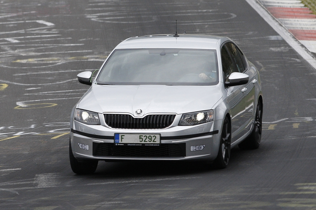 Erwischt: Erlkönig Škoda Octavia RS – Der große GTI