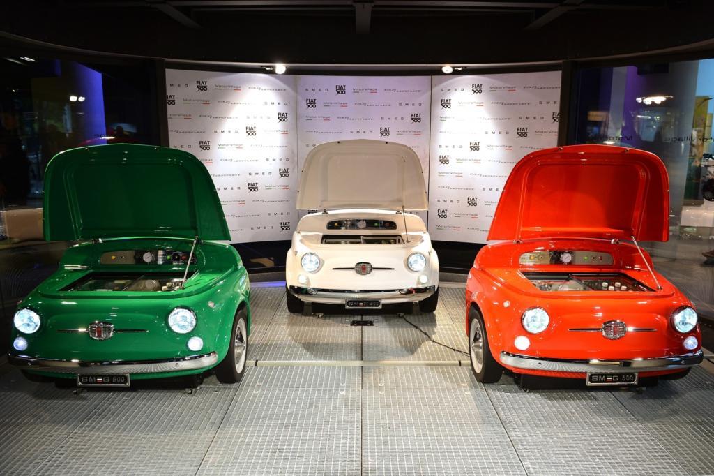 In den Farben der italienischen Trikolore, also grün, weiß und rot gibt es den Kühlschrank