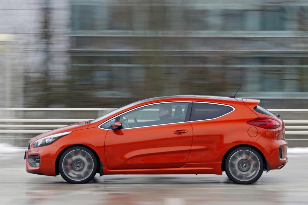 Kräftiger Motor, knackiges Fahrwerk, kerniger Sound – als GT fährt der Pro Ceed jetzt so sportlich wie er aussieht