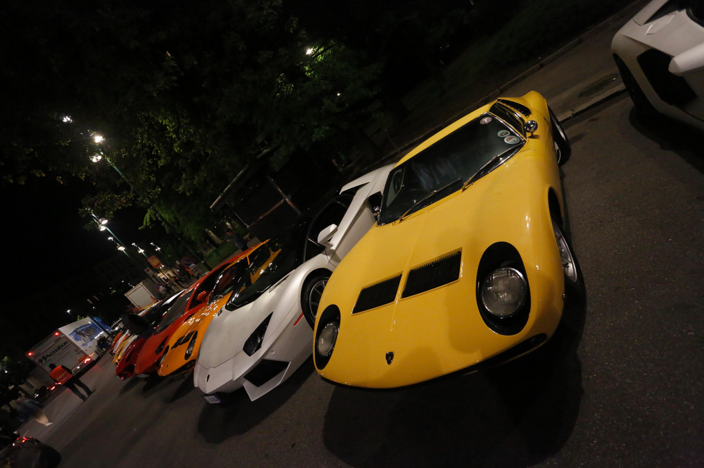 Lamborghini feiert 50. Geburtstag mit PS-Kolonne