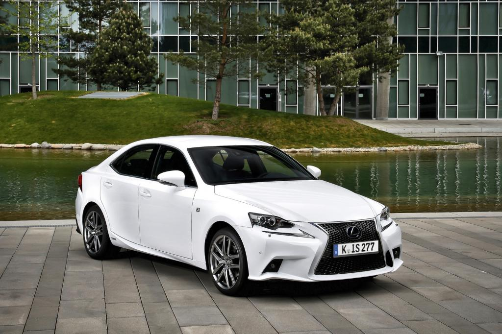 Lexus IS 300h F-Sport