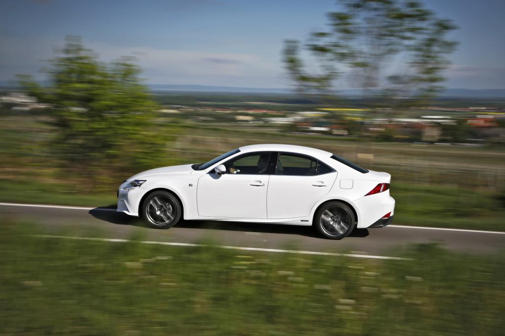 Lexus IS300h in der Ausstattungslinie F Sport