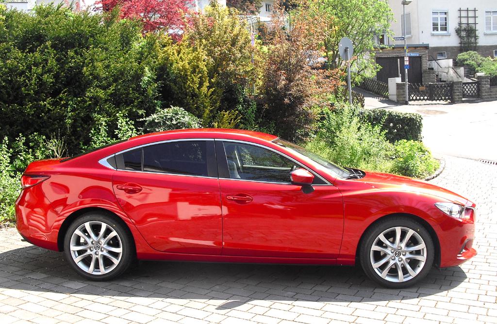 Mazda6: Und so sieht die wirklich formschöne Limousine von der Seite aus.