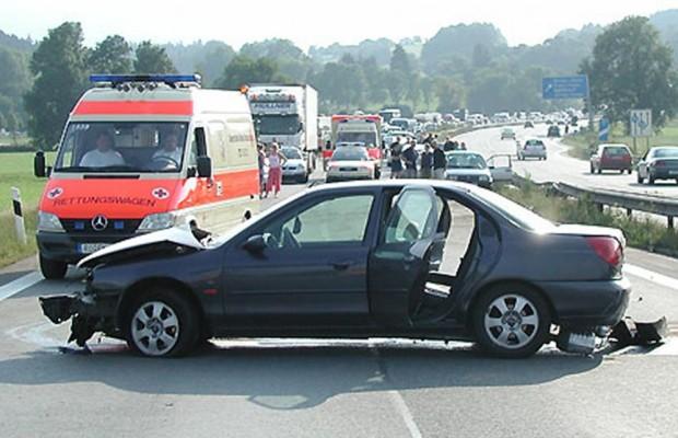 Mercedes schickt Rettungskarte auf das Handy