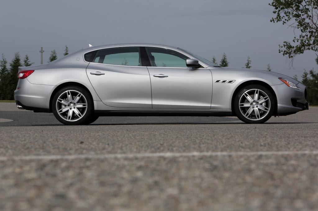 Mit 550 Nm gehört der Quattroporte selbst in der Basisversion noch zu den stärksten Luxuslinern am Markt