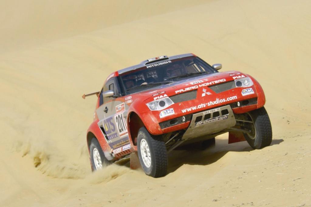 Mitsubishi Pajero Evolution Rallye Paris Dakar 2003