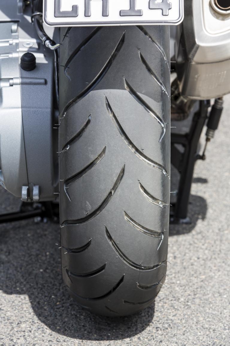 Neue Motorrad- und Rollerreifen von Dunlop