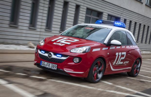 Opel zeigt den Adam für die Feuerwehr