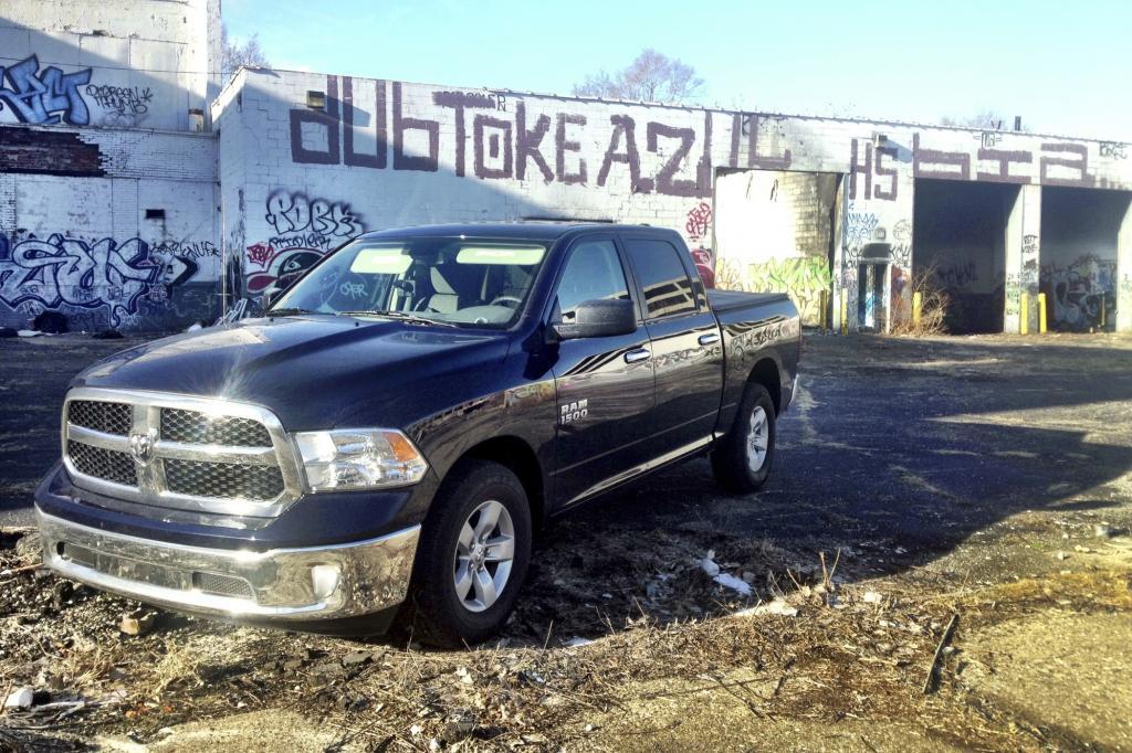 Panorama: RAM 1500 - Mit dem Dino durch Detroit