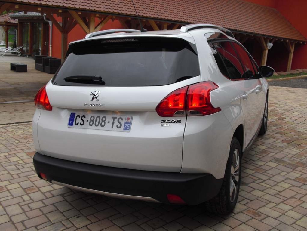 Peugeot 2008: Blick auf die Heckpartie.