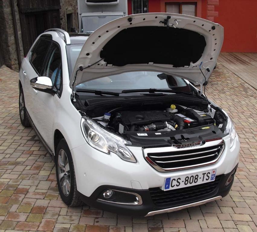 Peugeot 2008: Blick unter die Haube. Zwei Benziner und zwei Diesel stehen zur Wahl.