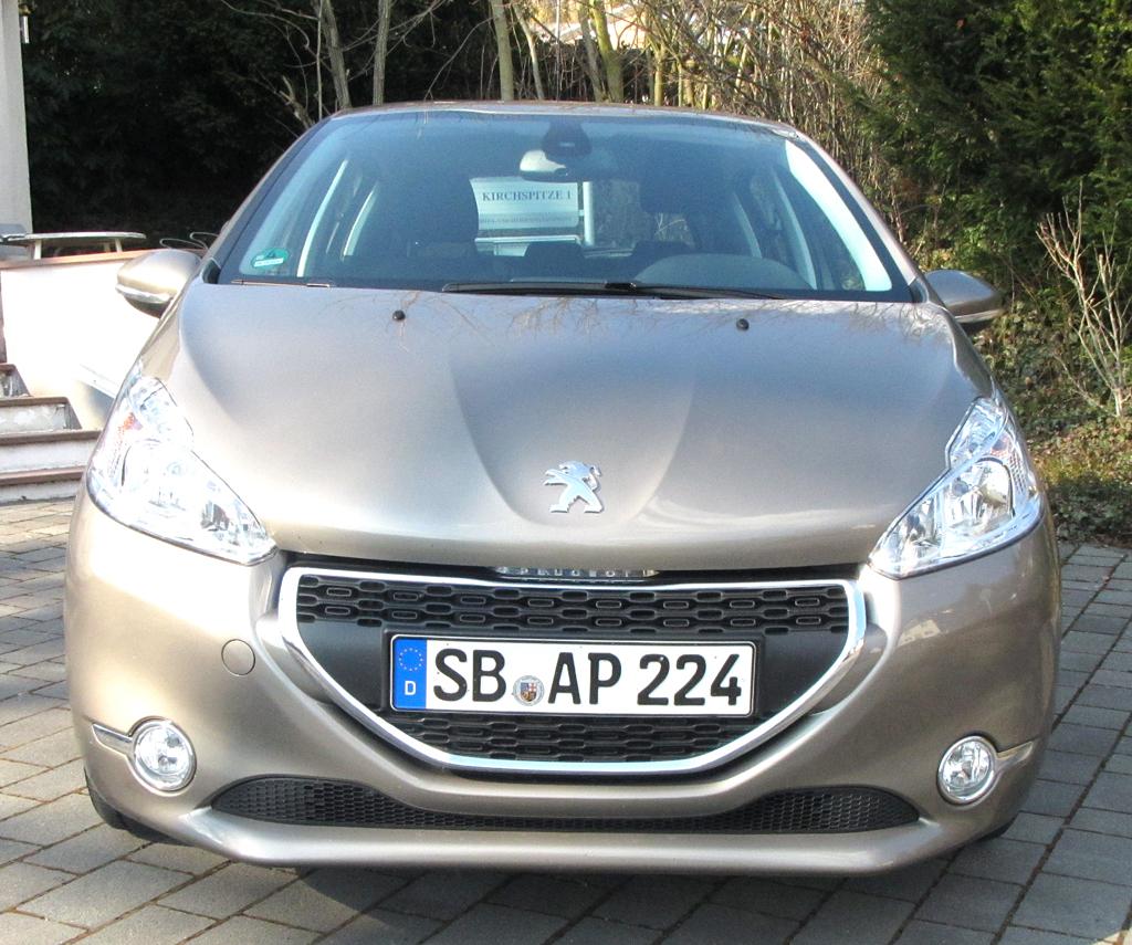Peugeot 208: Blick auf die Frontpartie.