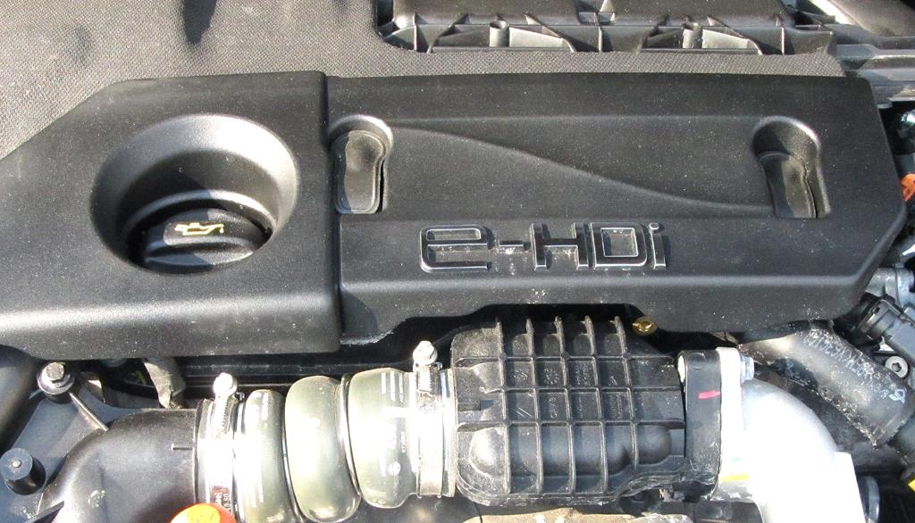 Peugeot 208: Blick unter die Haube auf den 1,6-Liter-Selbstzünder.