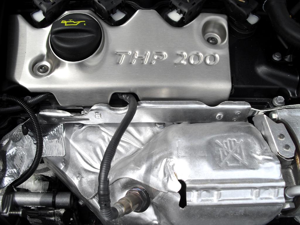 Peugeot RCZ: ... hier beim stärkeren Benziner.
