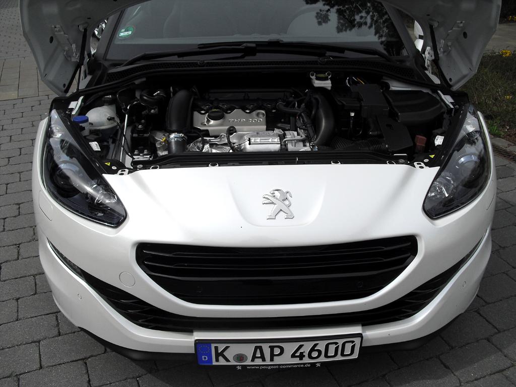 Peugeot RCZ: Blick unter die Haube, ...