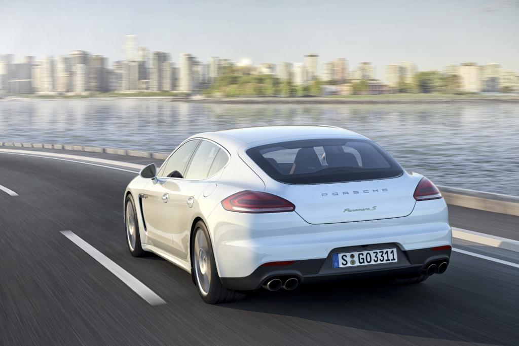 Porsche mit grünem Gewissen: beim Panamera S E-Hybrid kann man einen Strom-Tarif dazu buchen