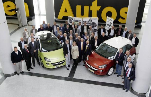 Türkische Parlamentsvertreter besuchen Opel-Werk