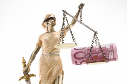 Urteil: Lichtkegel des Streifenwagens für Abstandsbestimmung ausreichend