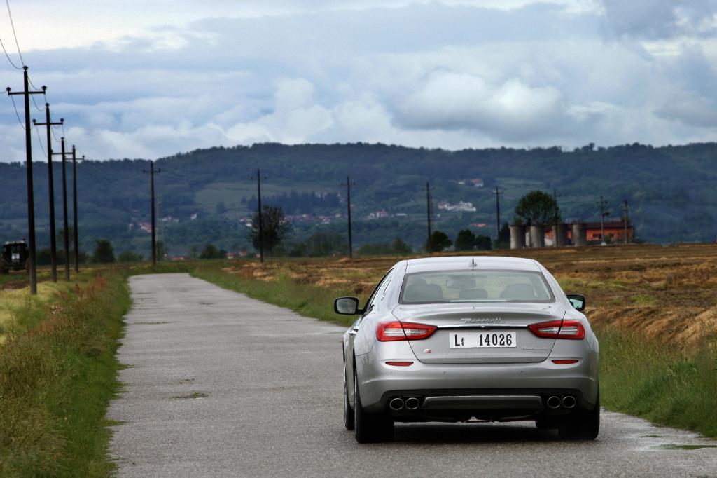 Wer in 4,9 Sekunden von 0 auf 100 beschleunigen will, muss dafür bei Audi, BMW oder Mercedes meist zwei Zylinder mehr bestellen