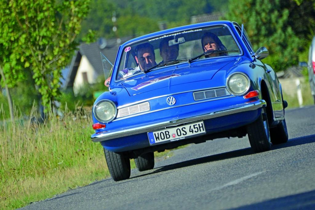 102 Oldtimer fahren durch den Schwarzwald