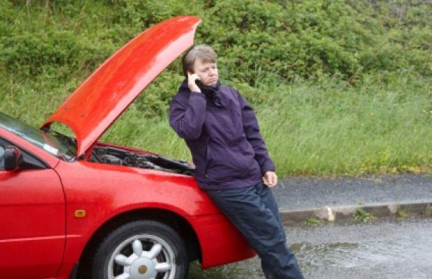 ADAC: Nach Überflutung Auto nicht ohne Fachmann starten