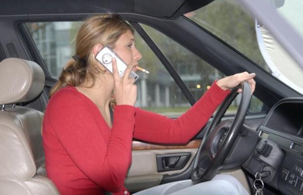 Ablenkungen beim Autofahren