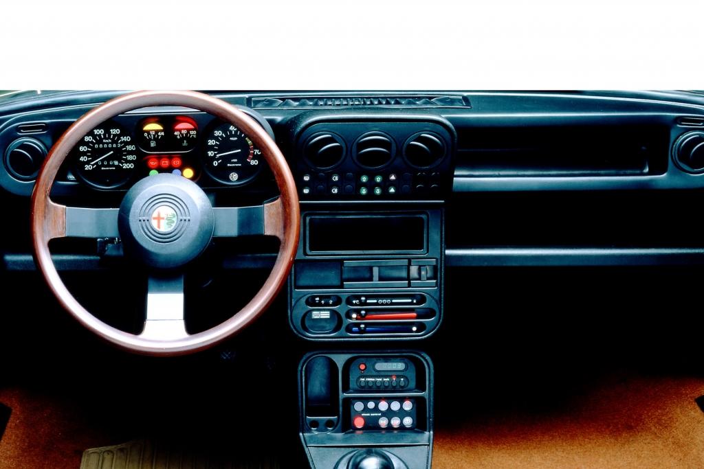 Alfa Romeo Alfa 33 ab 1983