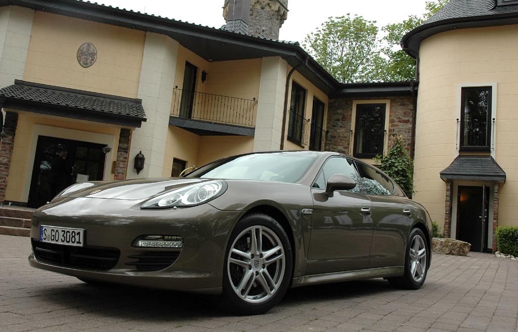 Auch viertürige Coupés wie der Porsche Panamera sind gefragt.