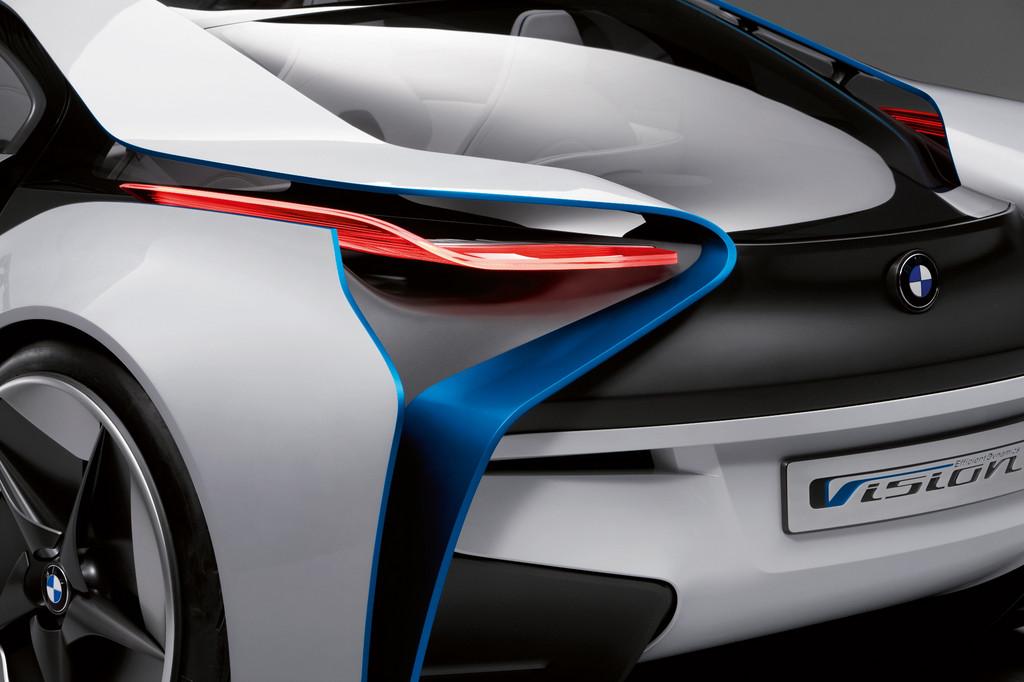 Automobilindustrie: Keine Branche begeistert mehr Facebook-Fans