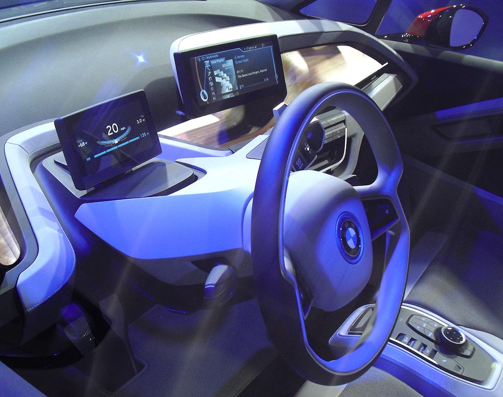 Blick ins Cockpit der Studie BMW i3 Concept.