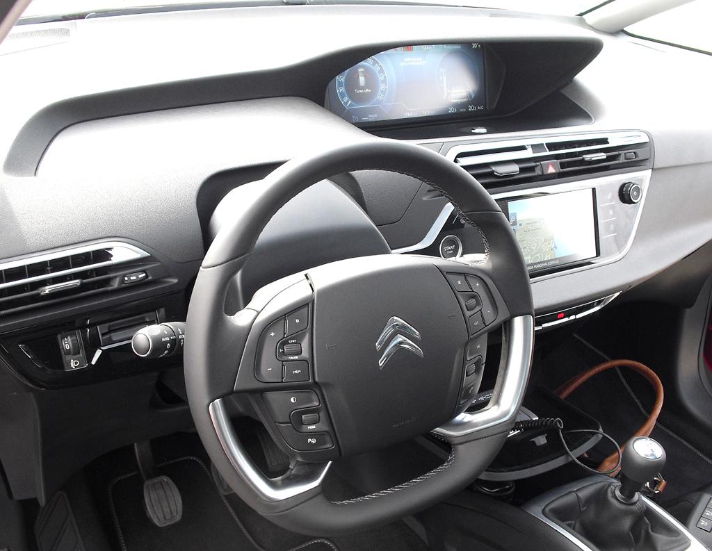 Citroën C4 Picasso: Blick ins Cockpit.