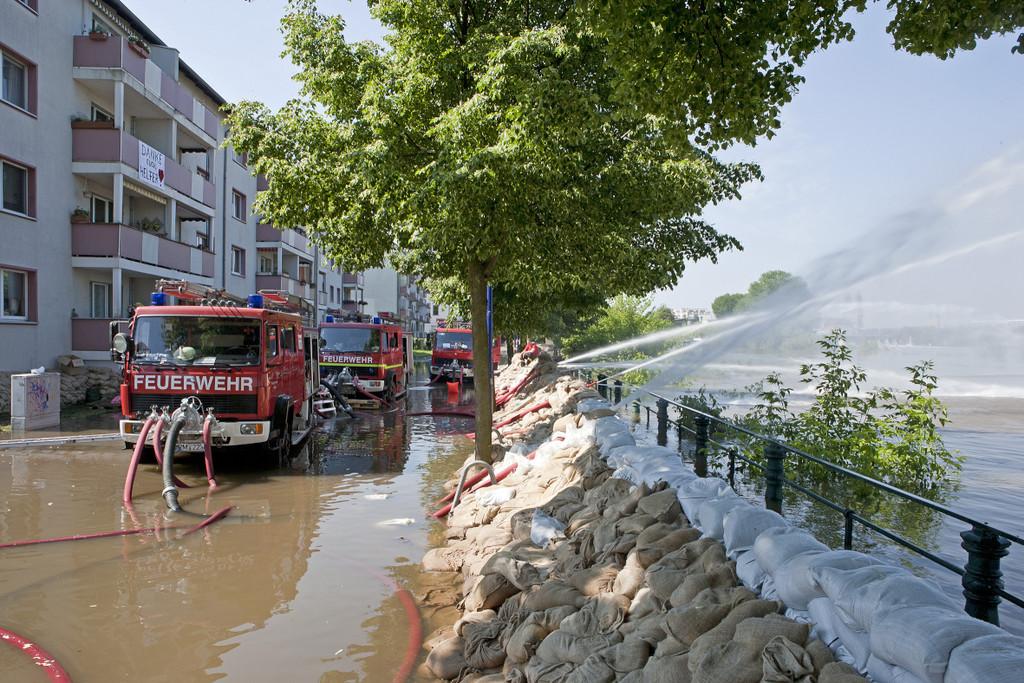 Daimler spendet 1 Million für Wiederaufbau nach Hochwasser
