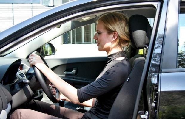 Das erste Auto - Was bei Kauf und Versicherung wichtig ist