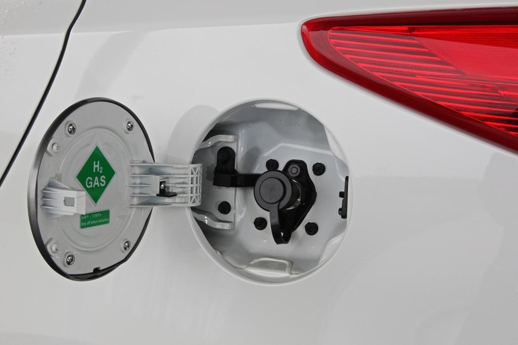 Den Unterschied zu einem konventionellen Elektrofahrzeug merkt man jedoch spätestens nach den ersten 100 Kilometern