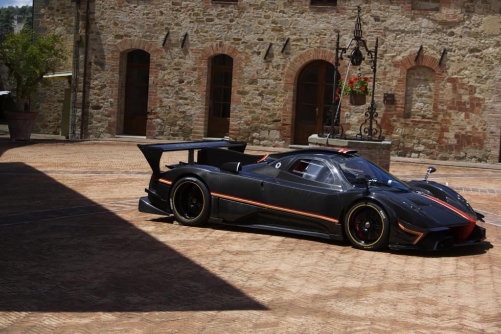 Der Preis für den Supersportwagen liegt bei rund 2,6 Millionen Euro