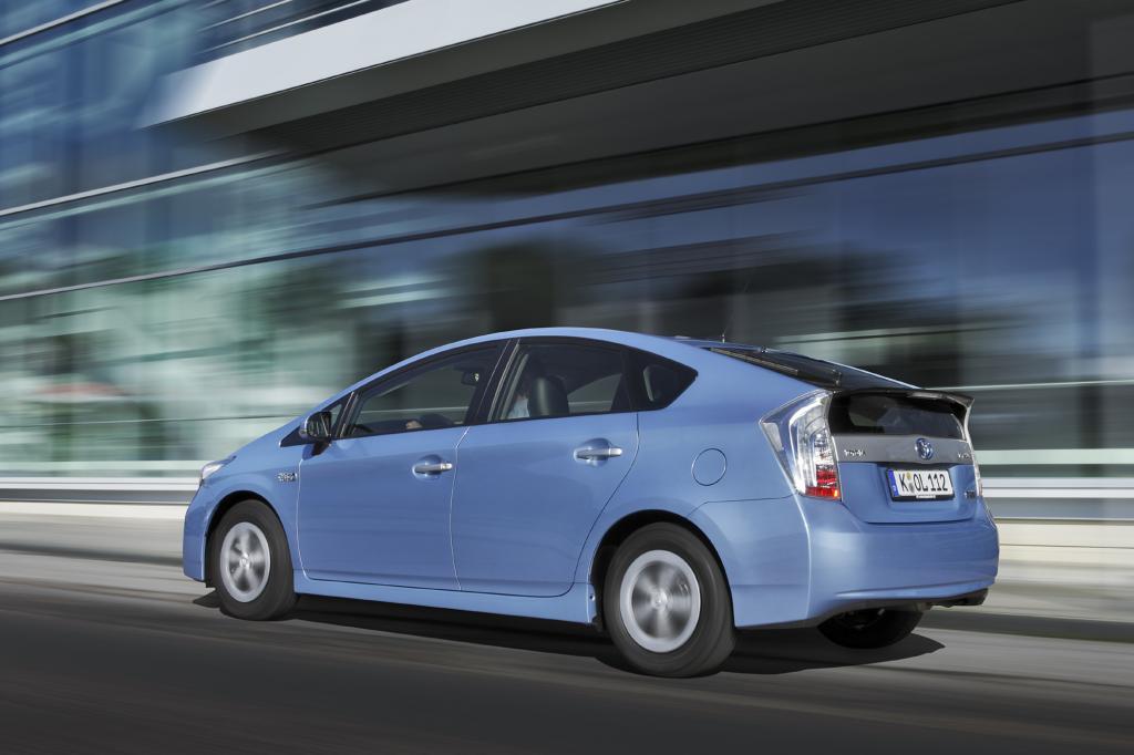Der Toyota Prius Plug-in basiert auf dem Standard-Hybrid Prius, hat aber eine größere Batterie